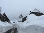 Saint Joseph les bancs sous la neige
